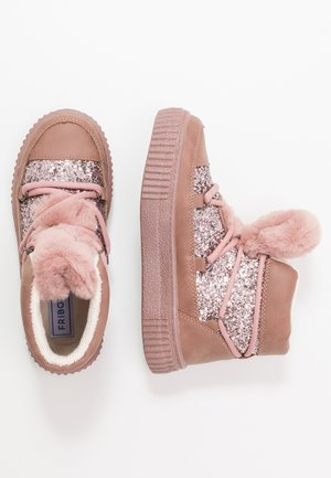 High-top trainers - mauve