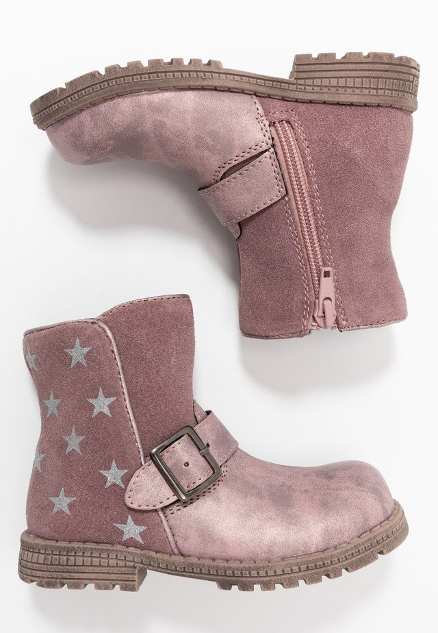Winter boots - berry