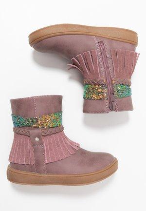 Classic ankle boots - mauve