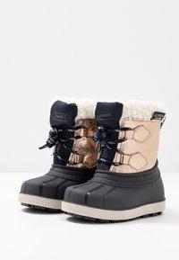 Friboo - Botas para la nieve - gold - 3