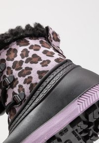 Friboo - Botas para la nieve - black/violett - 2