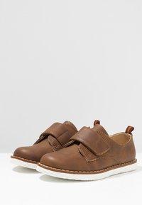 Friboo - Sko med borrelås - brown - 3