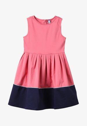 Koktejlové šaty/ šaty na párty - pink