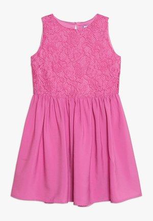 Koktejlové šaty/ šaty na párty - super pink