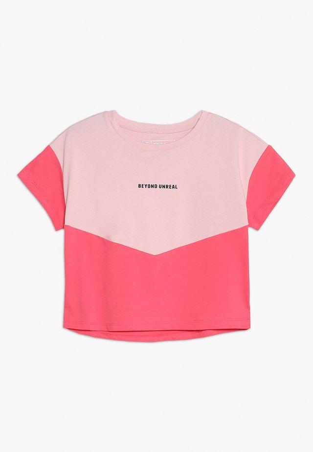 T-Shirt print - cameo pink