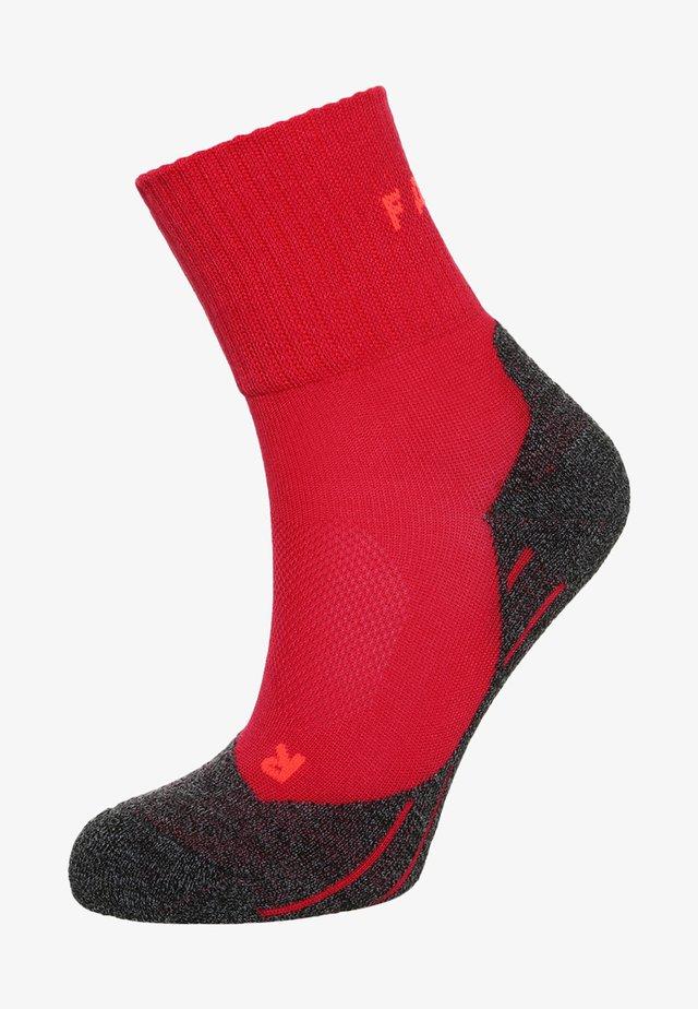 TK2 SHORT COOL  - Sports socks - rose