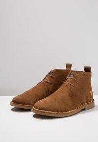 Farah - LOZZA - Volnočasové šněrovací boty - tan - 2