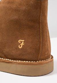 Farah - LOZZA - Volnočasové šněrovací boty - tan - 5