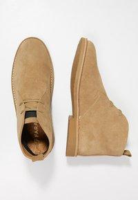 Farah - LOZZA - Volnočasové šněrovací boty - almond - 1