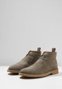Farah - LOZZA - Volnočasové šněrovací boty - grey - 2