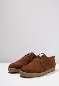 Farah - SAWYER - Volnočasové šněrovací boty - cognac - 2