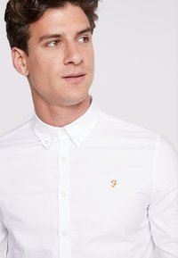 Farah - BREWER SLIM FIT - Camicia - white - 5