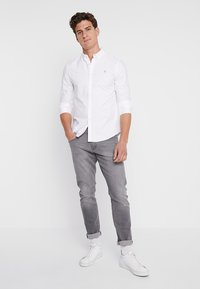 Farah - BREWER SLIM FIT - Camicia - white - 1