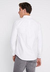 Farah - BREWER SLIM FIT - Camicia - white - 2