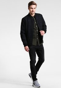 Farah - BREWER SLIM FIT - Skjorter - evergreen - 1