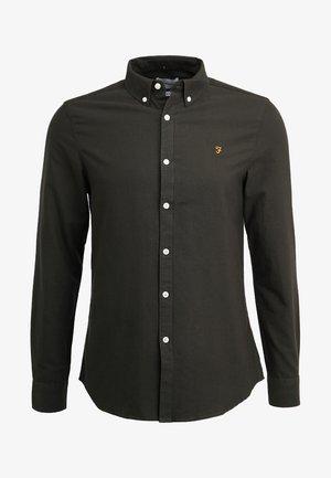 BREWER SLIM FIT - Skjorter - evergreen