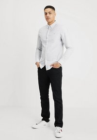 Farah - BREWER STRIPE SLIM FIT - Camicia - true navy - 1