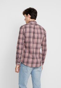 Farah - STEEN CHECK - Shirt - dark mauve - 2