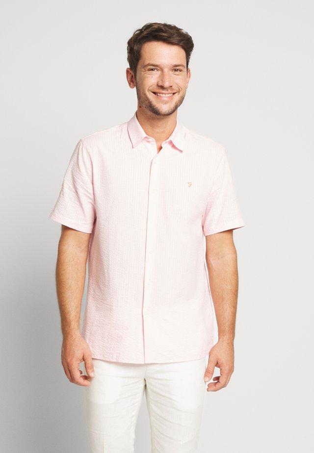 HUDSPETH SEERSUCKER - Shirt - cool pink