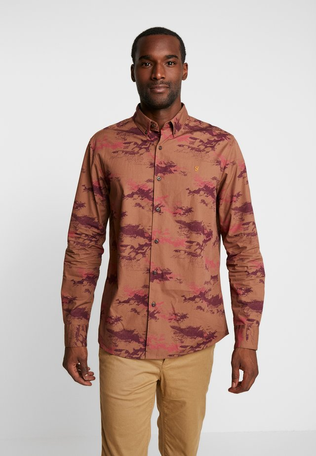 ROSAL PRINTED CASUAL FIT - Shirt - truffle