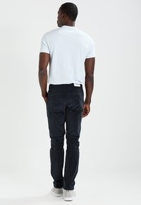 Farah - Trousers - true navy - 2