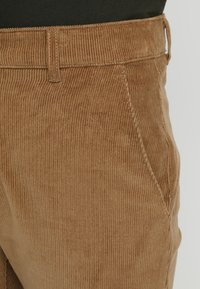 Farah - Pantalones - tobacco - 3