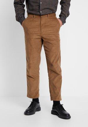 HAWTIN - Pantalon classique - truffle