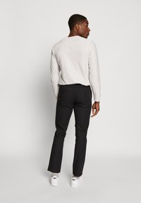 Farah - Chinos - deep black - 2