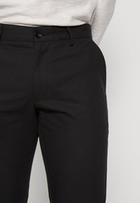 Farah - Chinos - deep black - 4