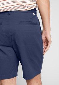 Farah - CASEY SHORT - Shorts - true navy - 2