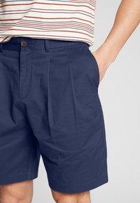 Farah - CASEY SHORT - Shorts - true navy - 5