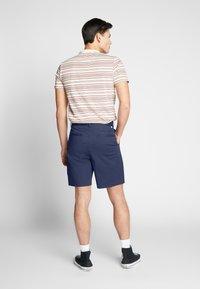 Farah - CASEY SHORT - Shorts - true navy - 3