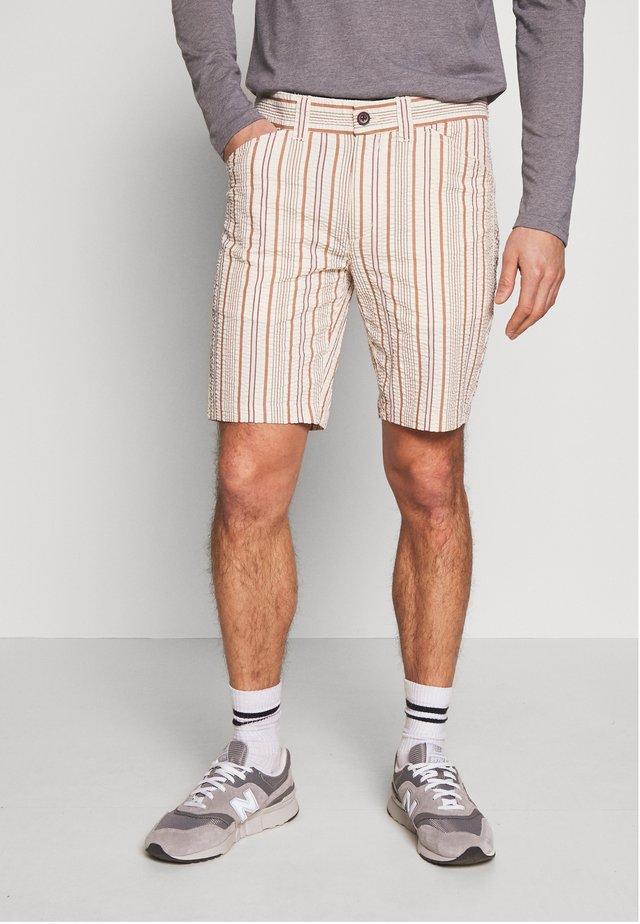 Shorts - russet