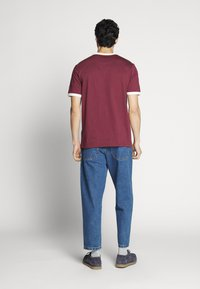Farah - HAWTIN CROP - Jeans relaxed fit - vintage wash - 2