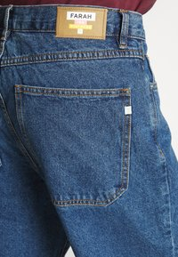 Farah - HAWTIN CROP - Jeans relaxed fit - vintage wash - 5
