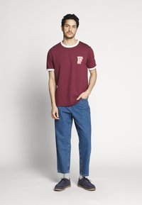 Farah - HAWTIN CROP - Jeans relaxed fit - vintage wash - 1