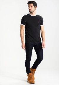 Farah - GROVES - T-shirt basic - deep black - 1