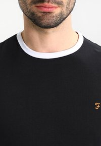 Farah - GROVES - T-shirt basic - deep black - 4