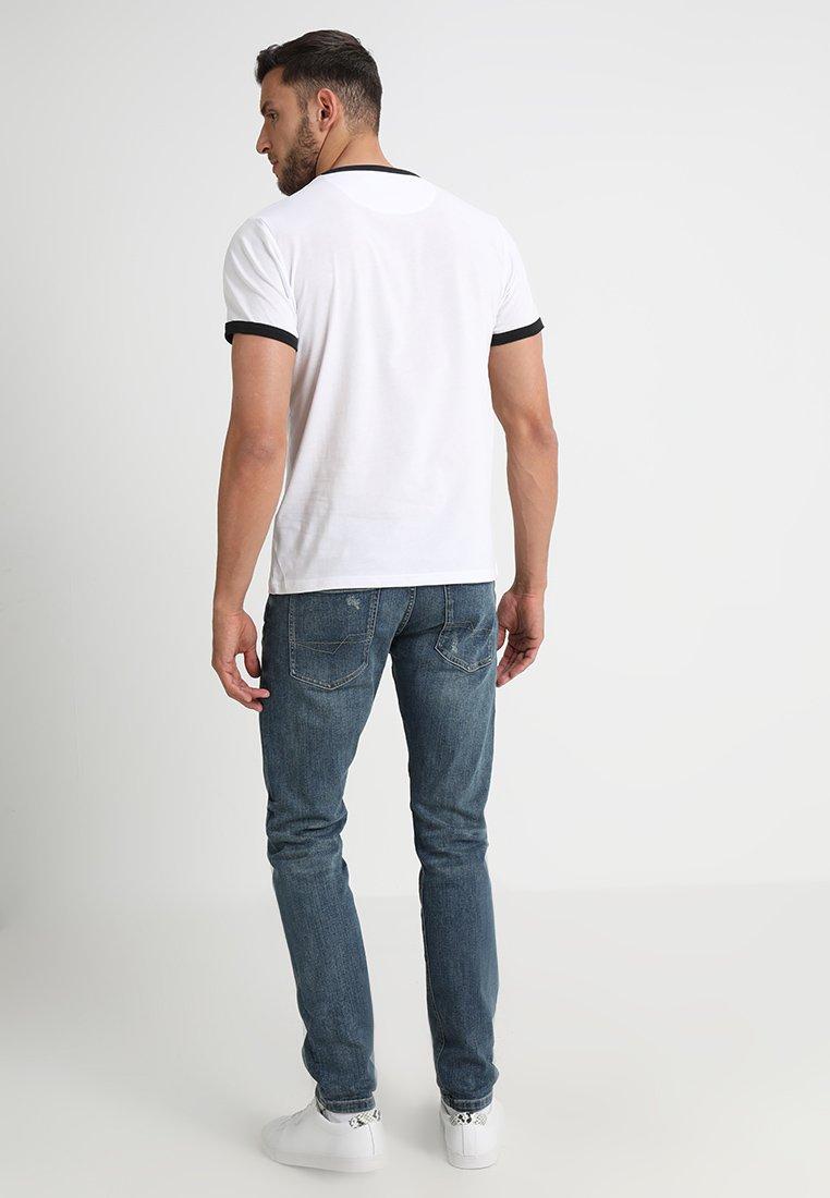Farah Groves - T-shirt Basic White