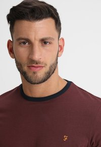Farah - GROVES - T-shirt basic - bordeaux - 5