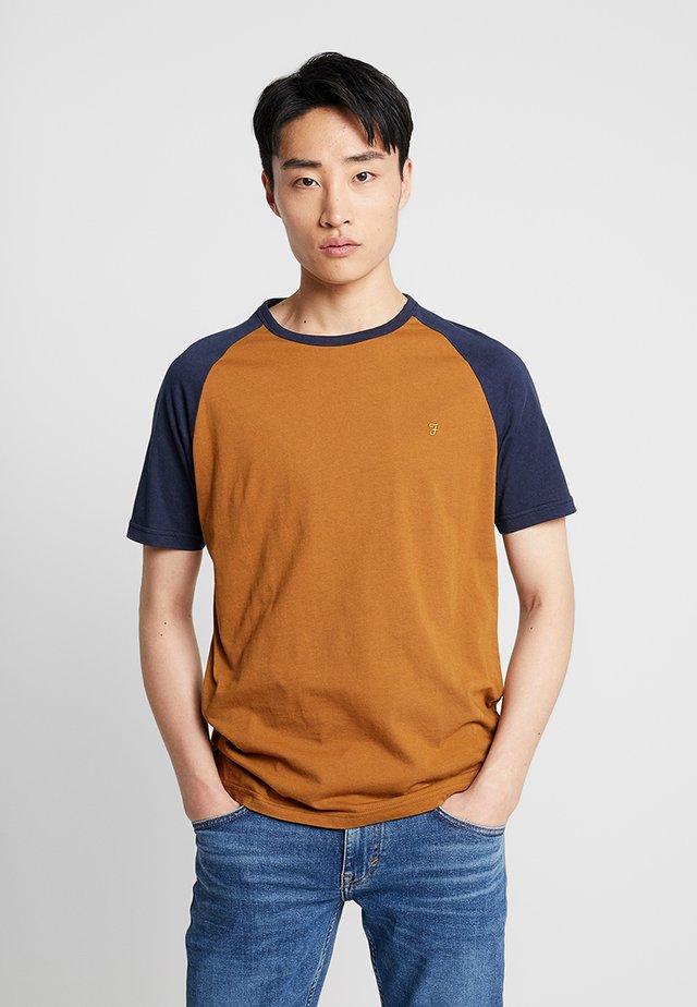 ZEMLAK RAGLAN TEE - T-shirt - bas - yale