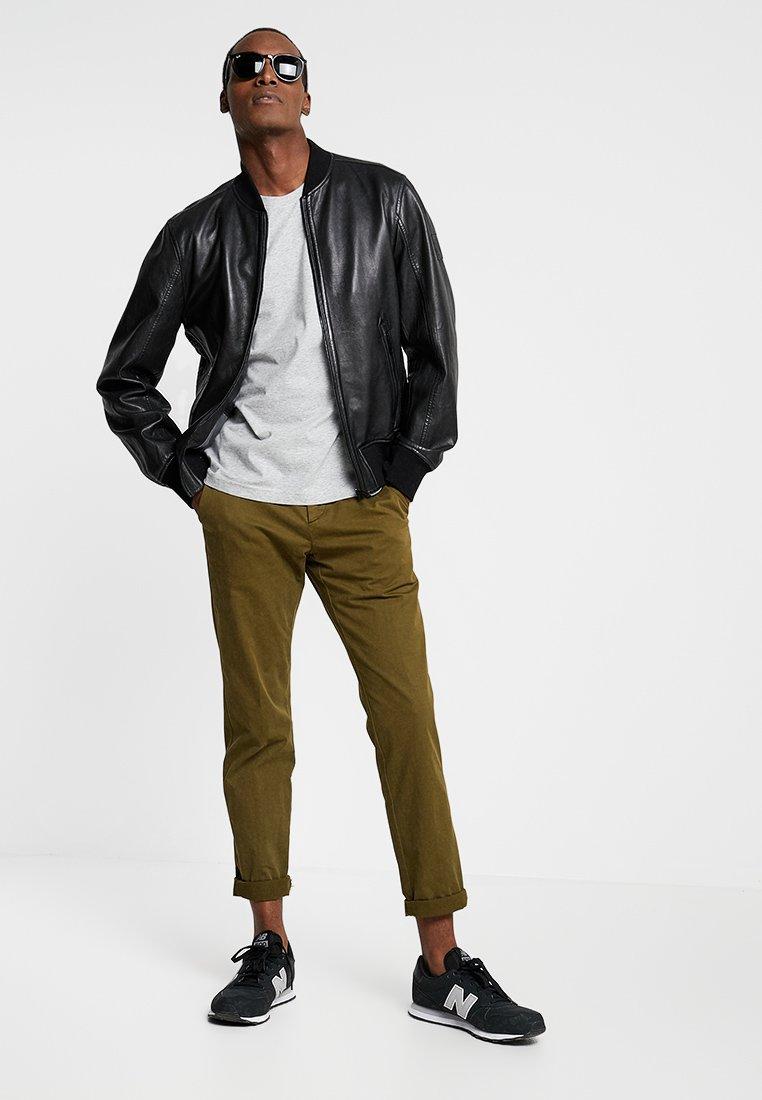Farah - FARRIS TWIN 2 PACK - Basic T-shirt - grey marl/true navy