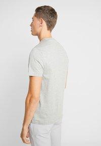 Farah - DENNIS SOLID TEE - T-shirt basique - rain heather - 2