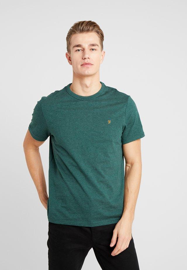DENNIS SOLID TEE - T-shirt - bas - bright emerald marl