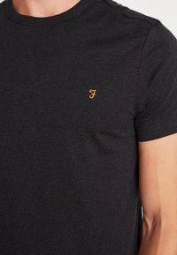 Farah - DENNIS SOLID TEE - T-shirt basic - black marl - 4