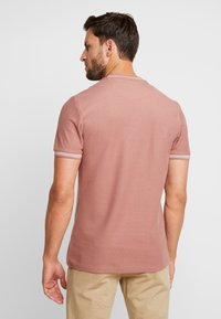 Farah - POTTER TEE - T-shirt basique - dark mauve - 2