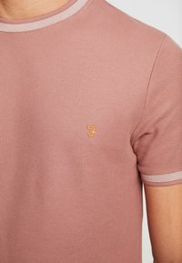 Farah - POTTER TEE - T-shirt basique - dark mauve - 5