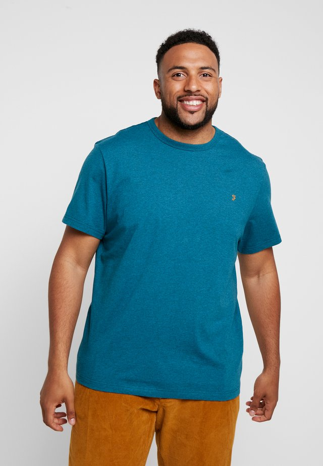 PLUS DENNIS SOLID TEE - T-shirt - bas - bright aqua marl