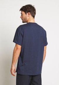 Farah - COLLIER REGULAR FIT TEE - T-shirt basic - yale - 2