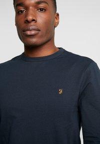 Farah - WORTH TEE - Bluzka z długim rękawem - true navy - 4